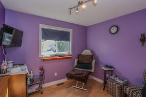 Just Listed on 31 Crimson OPEN HOUSE SAT and SUN 2-4 London Ontario image 9