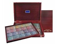Winsor and Newton wooden boxed 120 Pastel set.