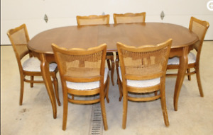 Wood Table with Leaf and 6 Upholstered Chairs