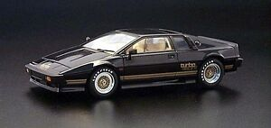 1/18 scale diecast Lotus Esprit Turbo by Autoart