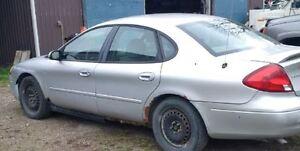 2000 Ford Taurus Sedan