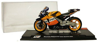 Ixo/altaya Alt33 Honda Rc211v Motogp 2005 - Max Biaggi 1/24 Scale