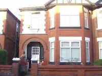 5 bed room house in popular area,close to transport,Hospital easy access to Uni ,HALF SUMMER RENT
