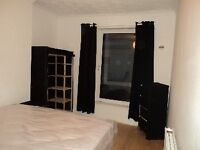 2 mins to uni six double bedroom furnished house, NO FEES
