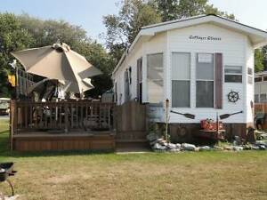 Lakefront Cottage for Sale at Sherkston Shores
