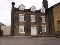 Bedsit available IMMEDIATELY £65 per week on Tong St - Bradford