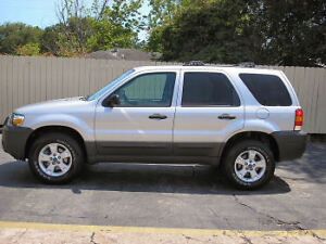 2005 Ford Escape XLT 4WD *E-tested*