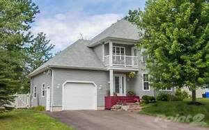 Room 4 Rent Dieppe Executive Home Near CCNB Pool & Theater