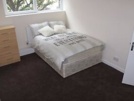 Double Room to Rent.No deposit ( Short Stay / Long Stay)