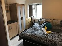 ! CRAZY CHEAP ! DOUBLE ROOMS IN CANNING TOWN AREA-GET IT RIGHT NOW - TO RENT ASAP - COUPLES WELCOME