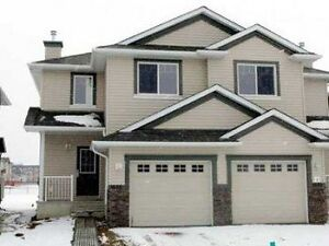Beautiful Duplex with view to the pond for rent in MacEwan