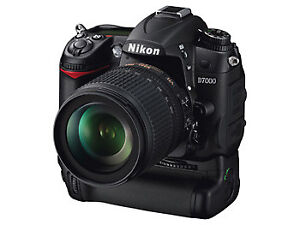Nikon D7000 with 18-105, battery Grip MB-D11