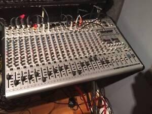 console Behrinhger SL2442FX