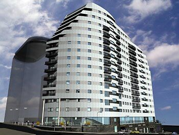 STUDENTS !!- LOOKING FOR 2 BEDROOMS IN 2017-18 PERIOD-@ ASTON, BCU, UCB OR MILLENIUM POINT ? CALL!