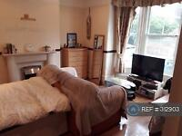 8 bedroom house in Auckland Road East, Southsea, PO5 (8 bed)