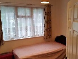 Single room in New Cross in need of a loving human call today 07581174584
