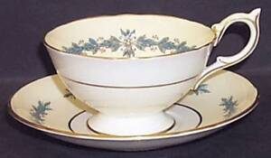 Aynsley Cups and Saucers Cambridge Pattern 7818