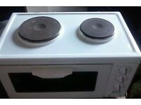 Beko mini oven in excellent condition.