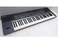 Roland E-20 Synthesiser Electric Piano Keyboard with Stand.