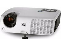 HP MP2220 Projector and Projection Screen