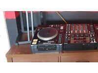 1 x Denon Dns-3000 cdj & 1 x Denon Dnx-1500 4 channel mixer