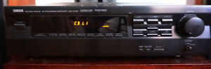 YAMAHA DSP-E492 AMPLIFIER w/ MOMENTUM SPEAKERS