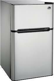 SELECTION OF 3.2  AND 4.4 CUBIC FOOT BAR FRIDGES --WOW CAN'T BEAT THIS DEAL!--OPEN FAMILY DAY 12-5PM!