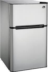SELECTION OF 3.2  AND 4.4 CUBIC FOOT BAR FRIDGES --WOW CAN'T BEAT THIS DEAL!