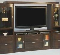 Meuble Audio pour télévision etat neuf valeur 2000.00 dollars