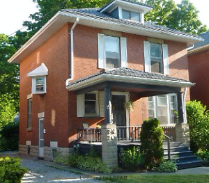 190 Bruce Street - 2 Bedroom House for Rent