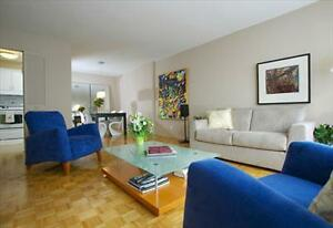 Cote des Neiges and Decelles Ave: 3355, chemin Queen Mary, 1BR