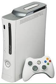Xbox 360 avec 3 manettes et 10 jeux