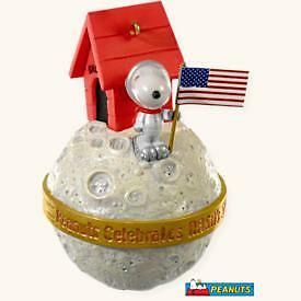 2008 Hallmark Snoopy Nasa 50 Years   Peanuts Ornament