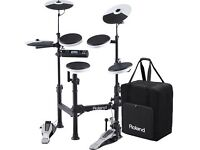ROLAND TD-4KP COMPACT PORTABLE ELECTRONIC/ELECTRIC DRUM KIT/DRUMS - AS NEW WITH EXTRAS - TD4KP