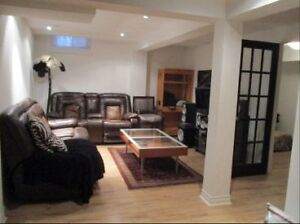 Luxurious Richmond Hill 2 bedroom basement apartment furnished