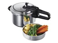 Russell Hobbs 4 Litre Pressure Cooker (New and Boxed)