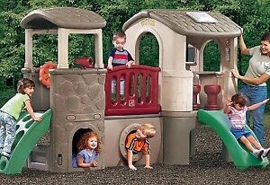 Step 2 Clubhouse Climber Outdoor Play house