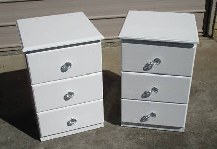 REFURBISHED 2 X 3 DRAWER BEDSIDE TABLES IN HIGH GLOSS WHITE
