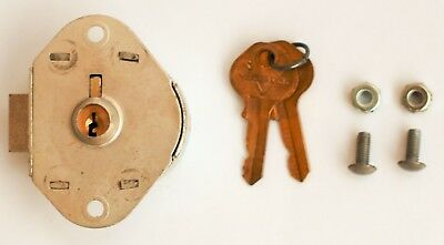 Master Lock 1710 Built In Locker Lock  Includes 2 Keys And Mounting Hardware