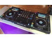 Pioneer CDJ 2000 NXS 2 X2 and 1x DJM 900 NXS 2 perfect