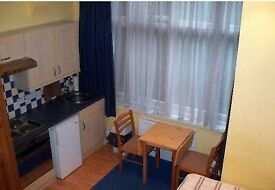 SELF CONTAINED DOUBLE STUDIO at Stilehall Gardens W4, Chiswick and Gunnersbury area. Also Kew Bridge