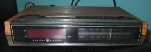 RADIO RÉVEILLE-MATIN ALARME GE vintage Radio Clock alarm