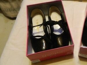 1 Pair of Little Girls Dance & Tap Shoes (12.5)