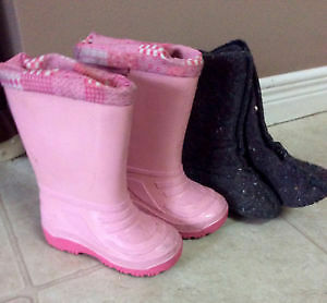 Toddlers size 5 girls rain boots/ winter boot