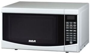 RCA 0.7 Cu. Ft. Microwave Oven