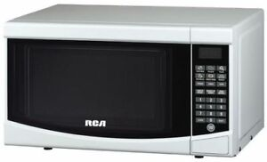 RCA 0.7 cu. ft. Countertop Microwave in White