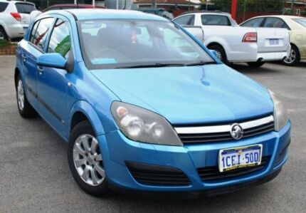 2005 Holden Astra AH MY05 CD Blue 5 Speed Manual Hatchback