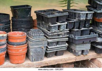 1000s of plastic pots for sale or trade