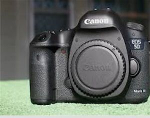 5D Mark III (3) In Good Condition (Body Only)