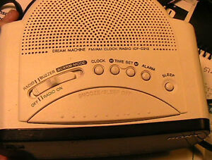 SONY alarm radio, 110V or battery operated AM and FM. West Island Greater Montréal image 2